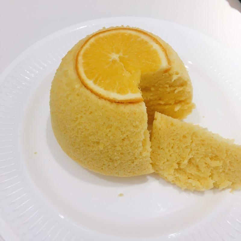 橙子蒸蛋糕食材:橙子一个,鸡蛋