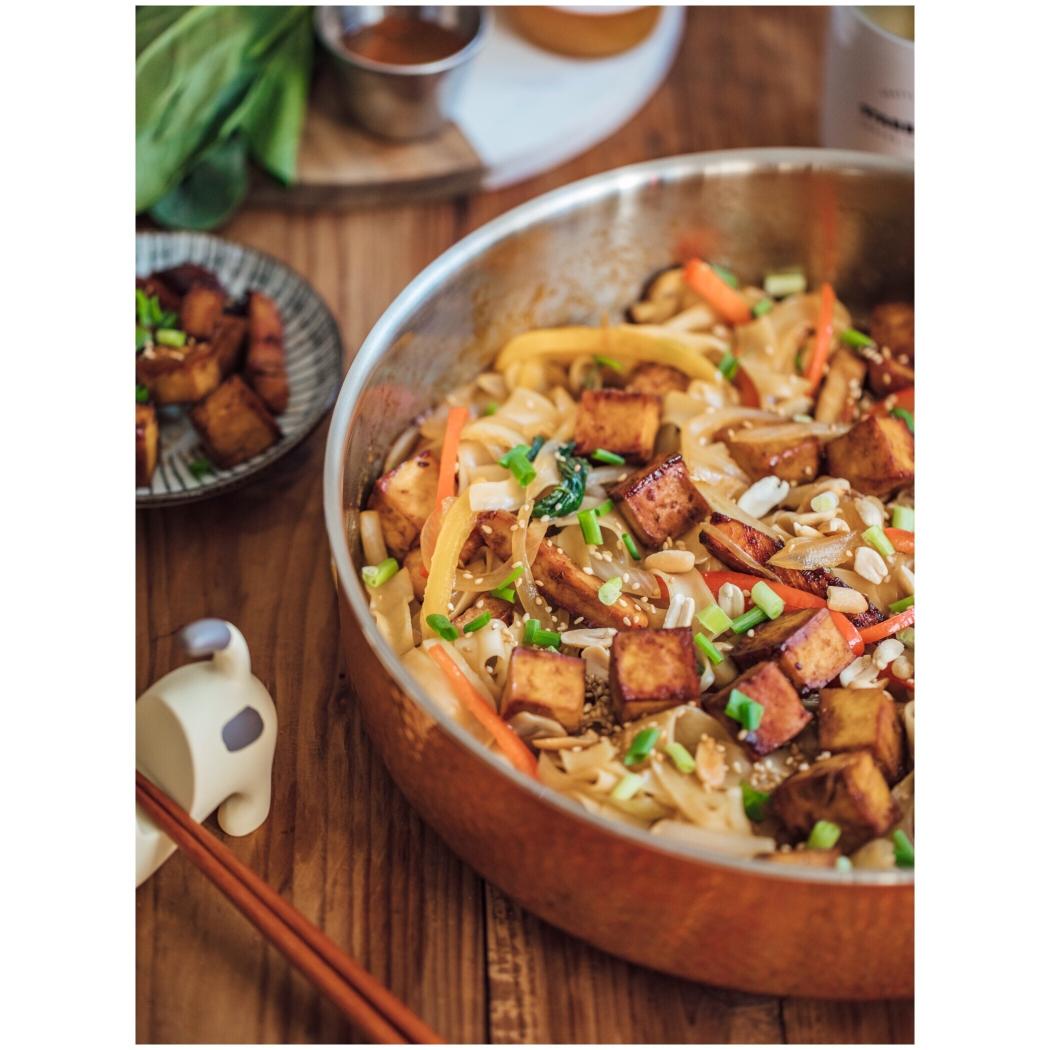 夏天来锅开胃清爽的面条,泰式风味豆腐炒面