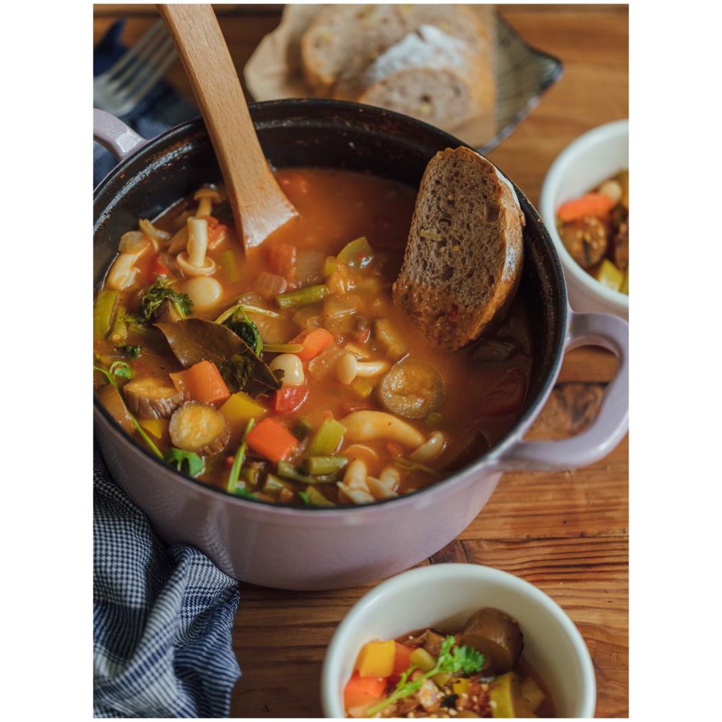 锅料理 | 烤面包+番茄蔬菜汤,蘸着更好